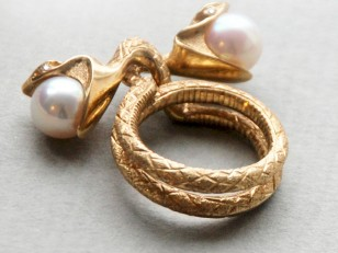 serpentine ring gold and pearls