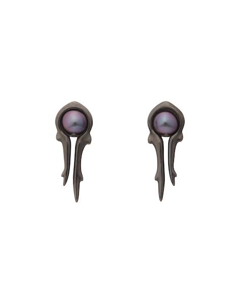 antler black earrings