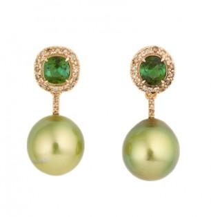 Pistachio Tahiti pearl earrings